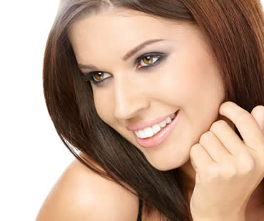 Get a Dazzling Smile with Veneers